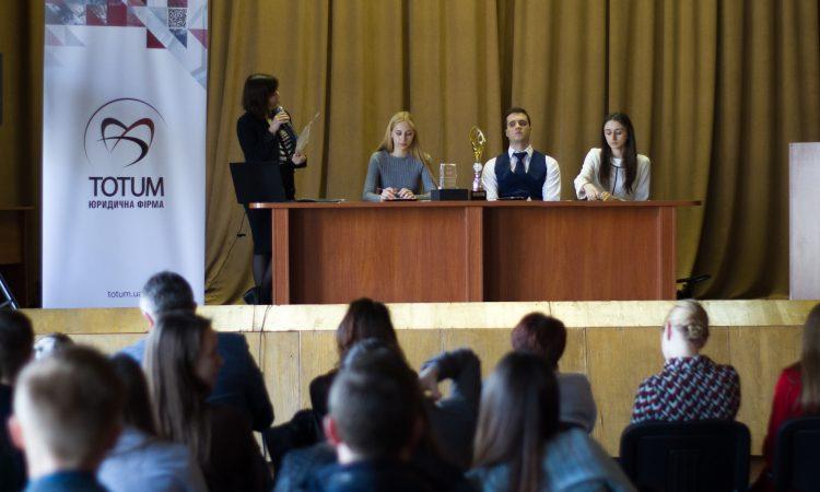 Студенти-клініцисти перемагають у Всеукраїнських судових дебатах